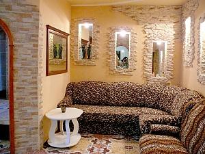 Apartment on Ushakova, One Bedroom, 001