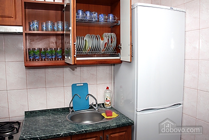 Cozy and nice apartment on Babkina, Two Bedroom (66778), 003