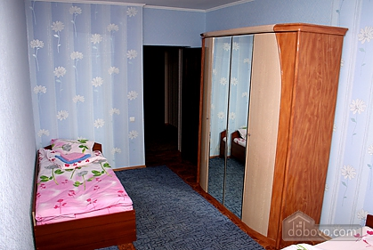 Cozy and nice apartment on Babkina, Two Bedroom (66778), 005
