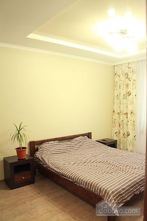 Квартира у Малиновському районі міста, 1-кімнатна (22273), 004