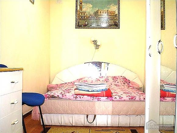Хороша квартира з ремонтом, 2-кімнатна (75659), 002