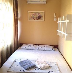 Palats Ukraina, Un chambre, 004