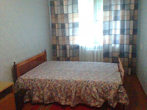 Affordable apartment in the center of Zhitomir with Wi-Fi, Deux chambres, 001