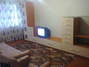 Affordable apartment in the center of Zhitomir with Wi-Fi, Deux chambres, 003