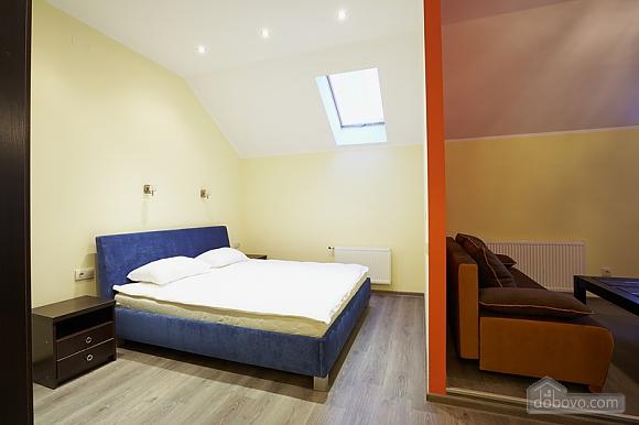 Апартаменты на Федьковича, 2х-комнатная (23987), 002