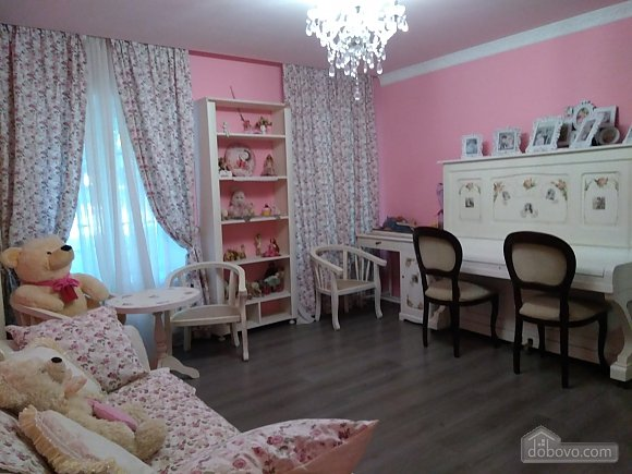 Apartment In The Style Of A Shabby Chic Studio 64187 002
