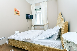 Two-bedroom apartment near Khreshchatyk, Due Camere, 002