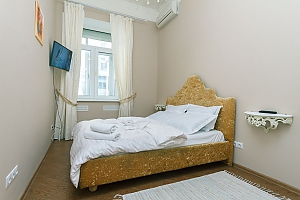 Two-bedroom apartment near Khreshchatyk, Due Camere, 004