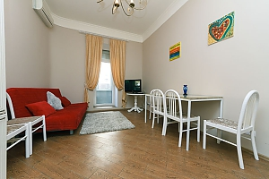 Two-bedroom apartment near Khreshchatyk, Due Camere, 001