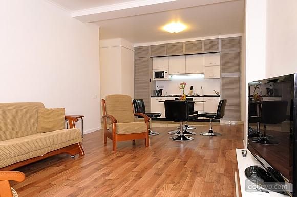 Квартира преміум-класу в центрі, 2-кімнатна (92195), 025