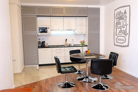 Квартира преміум-класу в центрі, 2-кімнатна (92195), 003