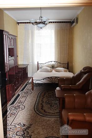 Apartment in the center of Odessa, Studio (92656), 001