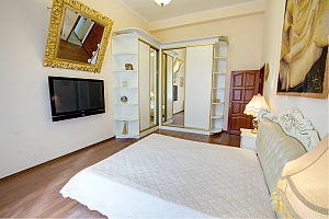 View to the Opera theatre, One Bedroom, 004
