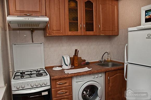Apartment in Svyatoshyno District, Una Camera (48613), 006
