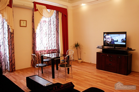 Красивая квартира в Центре Киева, 2х-комнатная (26822), 002