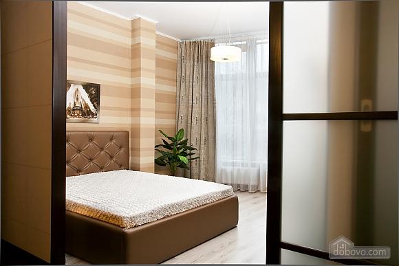 Квартира поряд із центром та Аркадією, 3-кімнатна (94436), 004
