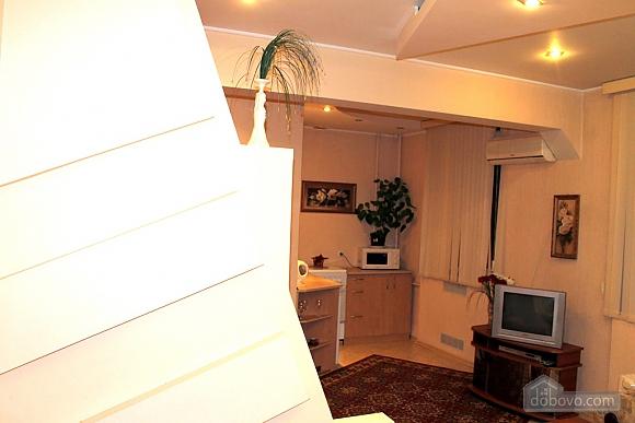 Апартаменты в историческом центре, 1-комнатная (72381), 004