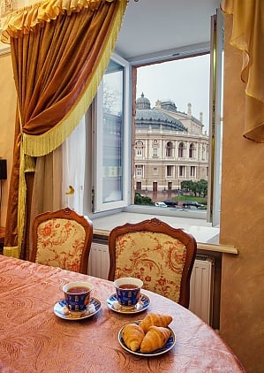 Apartment on  Deribasovskoy overlooking the Opera House, Due Camere, 002