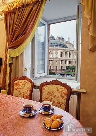 Apartment on  Deribasovskoy overlooking the Opera House, Deux chambres (95755), 002