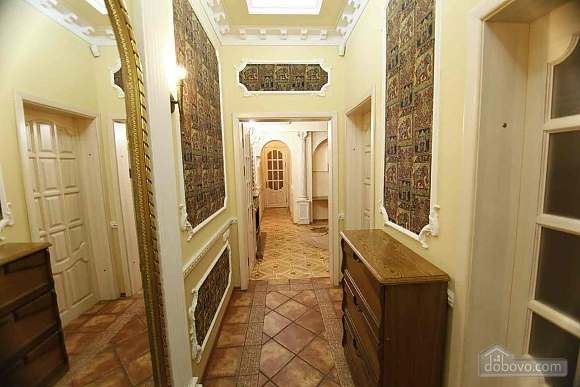 Apartment on  Deribasovskoy overlooking the Opera House, Deux chambres (95755), 020