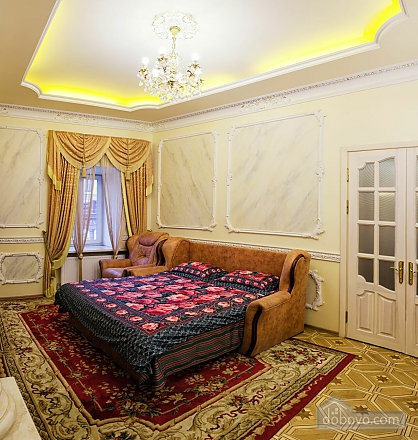Apartment on  Deribasovskoy overlooking the Opera House, Two Bedroom (95755), 030
