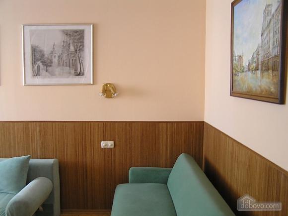 Квартира в центре возле метро Площадь Конституции, 3х-комнатная (51381), 008