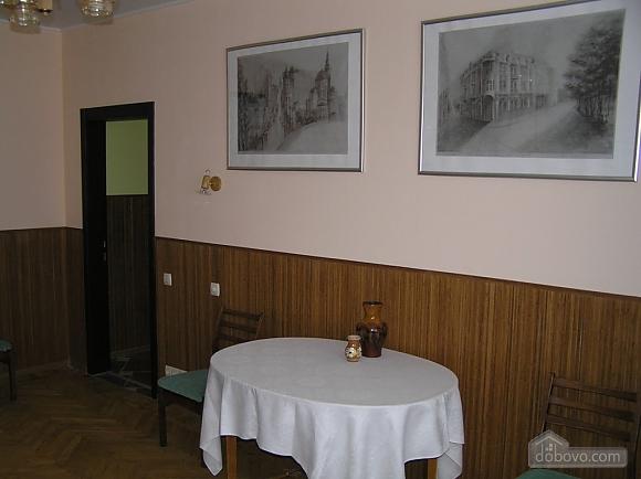 Квартира в центре возле метро Площадь Конституции, 3х-комнатная (51381), 014
