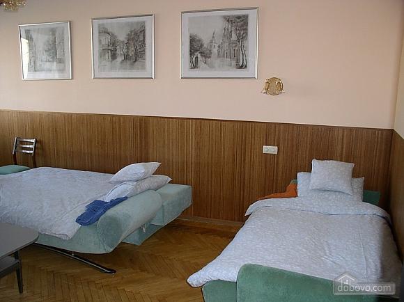 Квартира в центре возле метро Площадь Конституции, 3х-комнатная (51381), 016