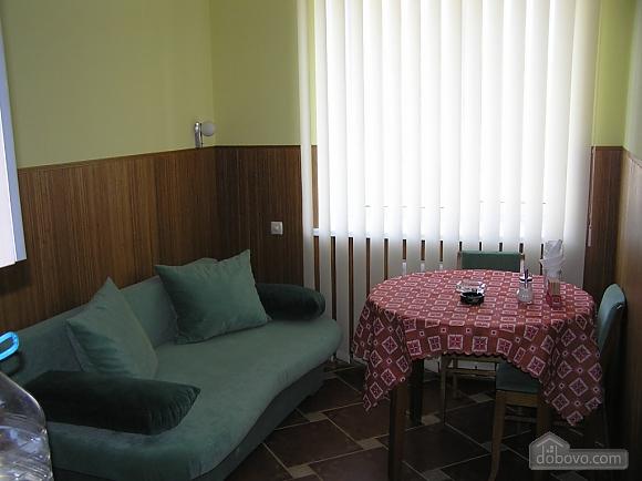 Квартира в центре возле метро Площадь Конституции, 3х-комнатная (51381), 025