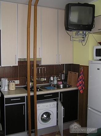 Квартира в центре возле метро Площадь Конституции, 3х-комнатная (51381), 028