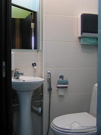 Квартира в центре возле метро Площадь Конституции, 3х-комнатная (51381), 031