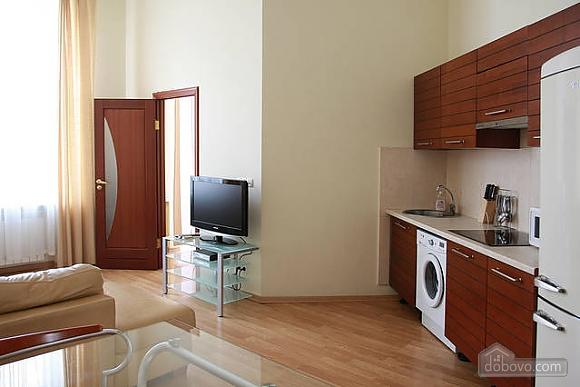 Квартира в центре Киева, 2х-комнатная (96611), 002
