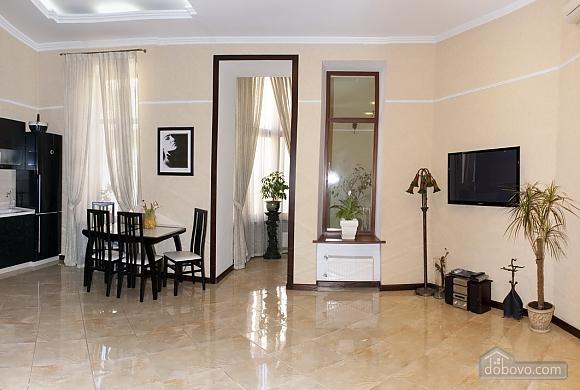 Квартира класу люкс біля Дерибасівської, 3-кімнатна (52106), 002