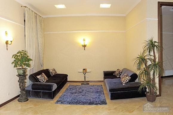 Квартира класу люкс біля Дерибасівської, 3-кімнатна (52106), 001