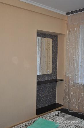 Дворец Украина, 2х-комнатная (75216), 003