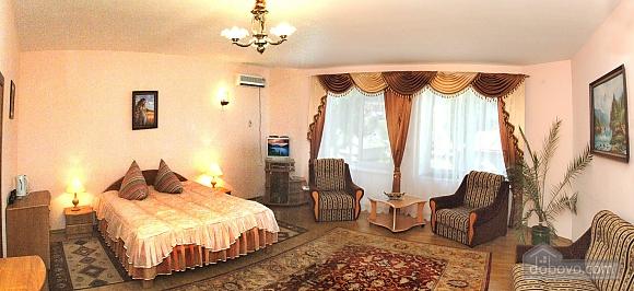The rooms in a villa in Skhidnytsia, Studio (97930), 006