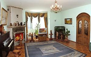 The rooms in a villa in Skhidnytsia, Studio, 010