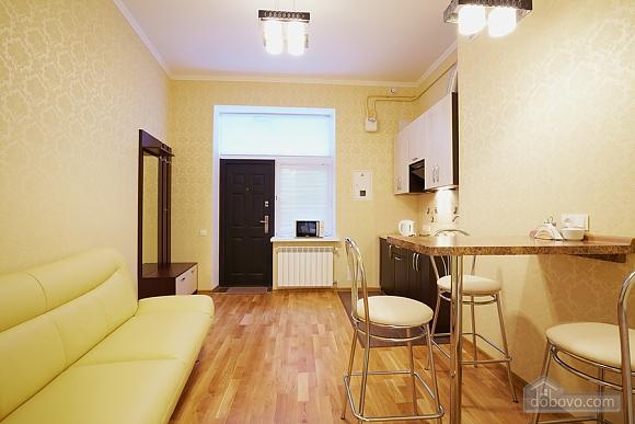 Квартира біля Оперного театру, 1-кімнатна (10106), 005