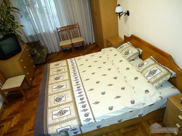 Біля Бессарабки і Хрещатика, 2-кімнатна (32952), 005