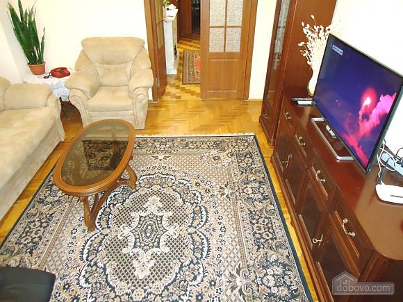 Возле Бессарабки и Крещатика, 2х-комнатная (32952), 003