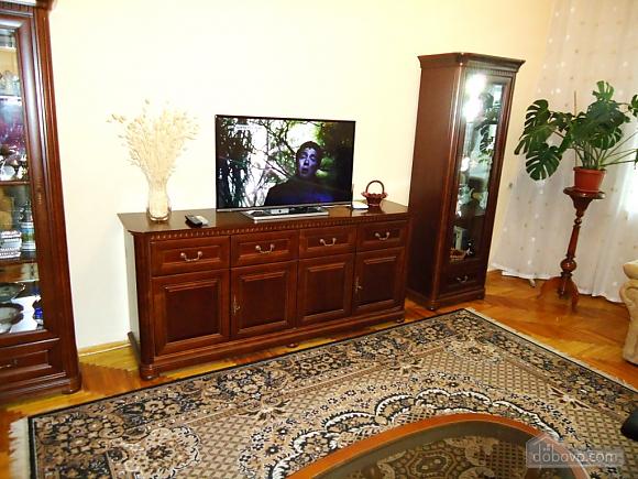 Возле Бессарабки и Крещатика, 2х-комнатная (32952), 004