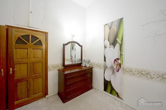 Романтика Андреевского Спуска, 3х-комнатная (10897), 005