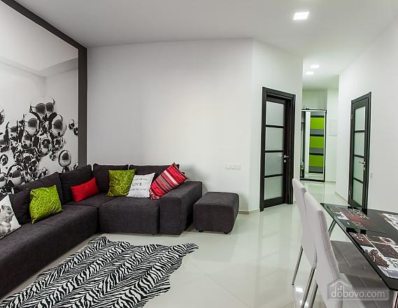Квартира в Аркадії, 3-кімнатна (56457), 002
