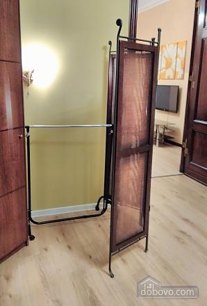 Дерибасовская - 150 метров фасадные окна 2 комнаты, 2х-комнатная (58698), 012