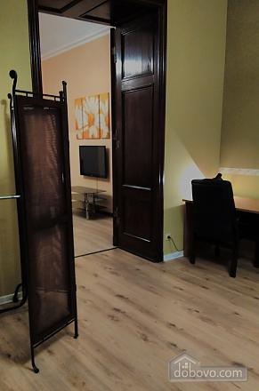 Дерибасовская - 150 метров фасадные окна 2 комнаты, 2х-комнатная (58698), 017