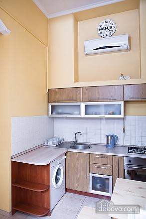 Дерибасовская - 150 метров фасадные окна 2 комнаты, 2х-комнатная (58698), 007