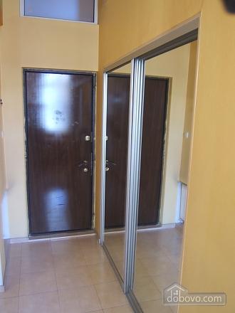 Дерибасовская - 150 метров фасадные окна 2 комнаты, 2х-комнатная (58698), 009