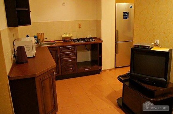 Большая квартира, 3х-комнатная (13995), 002