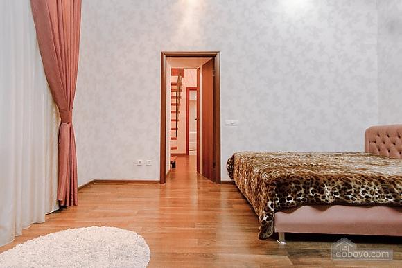 Біля Дерибасівської і Оперного театру, 1-кімнатна (59094), 001