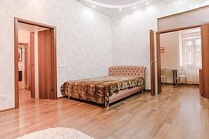 Возле Дерибасовской и Оперного театра, 1-комнатная, 003